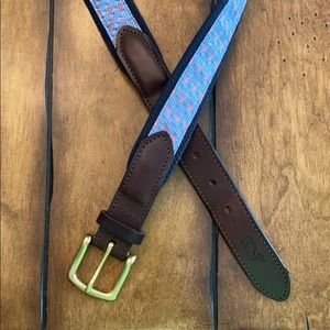 Size 34 Vineyard Vines Patriot Whale Belt
